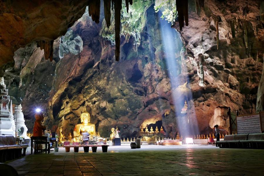 拷龍穴  Tham Khao Luang